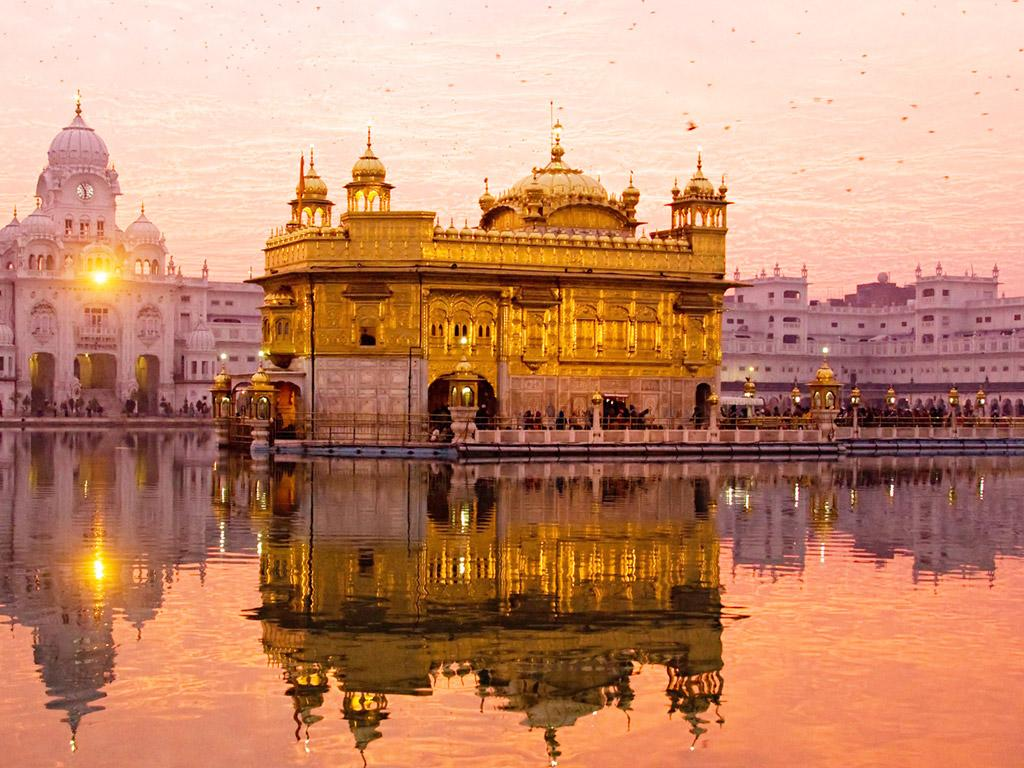 """india s golden past In past before britisher and mughal ,india and its people and the small small provinces ,kings are wealthy enough thats why india was called """"golden bird""""  this wealth only atracted mughals and britisher towards india."""